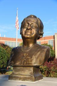 Maggie Bust